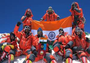 A team of NCC girl cadets, Indian army wing, and Indian soldiers climbed Mount Everest with its peak 8,848 metres above sea-level. - India Tv