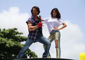 Actor Tiger Shroff and Nidhhi Agerwal has been promoting- India Tv