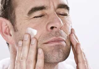 It is very important to apply winter cream after washing your face. This helps to keep your skin moisturised. Dry and hard skin leaves the skin exposed and unprotected from sun, wind and dust which could lead to skin problems. With IANS Inputs
