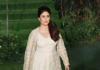 Kareena wore off-white gown and walked the ramp with aplomb. The lady opted for minimal makeup. Last year, the pretty actress flaunted her baby bump when she stunned the ramp for famous designer Sabyasachi Mukherjee.