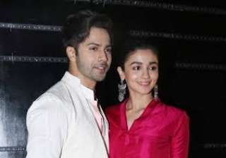 Varun and Alia also dropped in on the sets of Indian Idol. Alia looked hip and happening in a colourful attire and Varun looked quiet the handsome man in a white shirt.