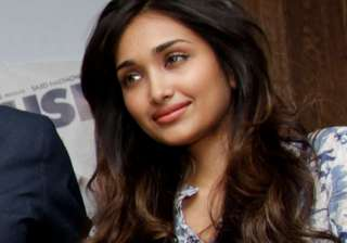 Jiah Khan This tragic incident shook the entire film fraternity. The newbie actress was just 25 when she took a drastic step of ending her own life. Due to complications in relationship and downhill Bollywood career, Jiah took an extreme step and ended her life.