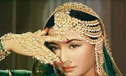Meena Kumari starrer Pakeezah in legal soup over ownership