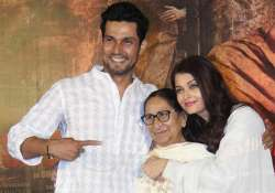 Randeep Hooda with Aishwarya Rai Bachchan and Dalbir Kaur