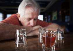 Heavy drinking may impair cognitive function in older