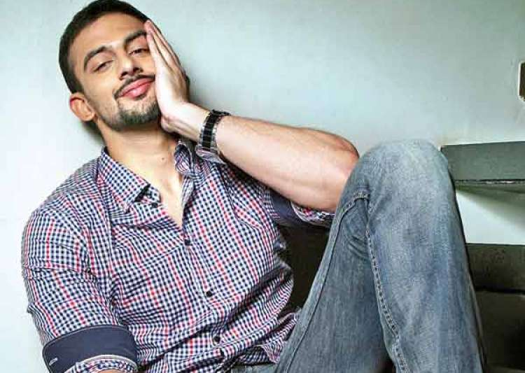 All rumours! Arunoday Singh is NOT yet married- India Tv
