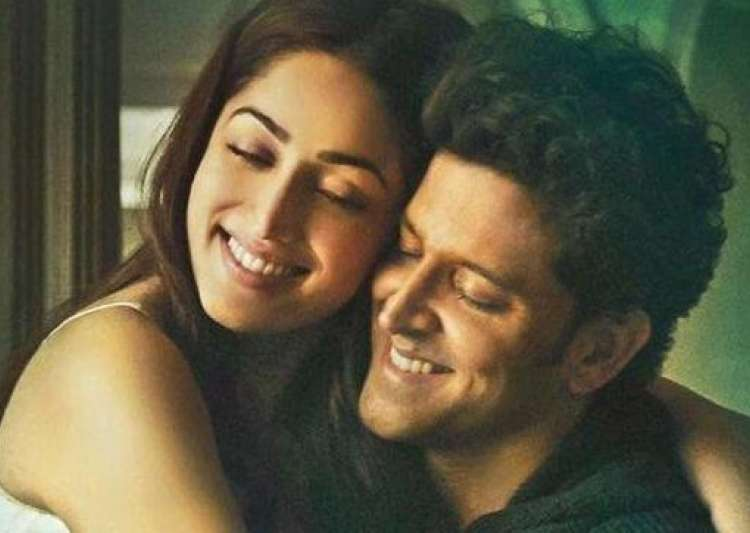 Hrithik's offer to Yami is to play superheroes in next- India Tv