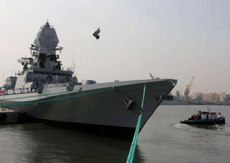 Defence Minister commissions INS Chennai- India Tv