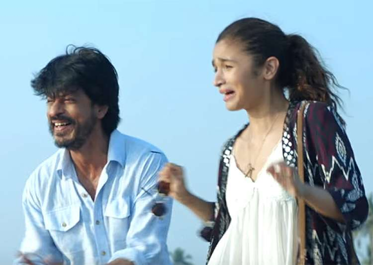 Shah Rukh doesn't mind being a man in 'woman's- India Tv