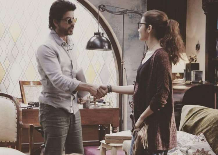 Why does Shah Rukh want Alia to be bad?- India Tv