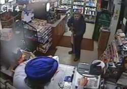 watch 58 year old sikh in ny chase off an armed robber with