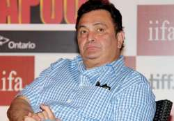 surprising rishi kapoor is scared of coming on stage