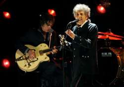 bob dylan mesmerizes crowd in switzerland