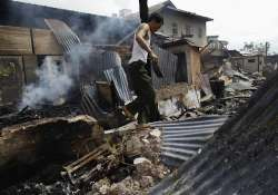 buddhists in myanmar torch muslim homes and shops