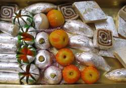 bombay hc refuses to stay circular banning silver leaf on