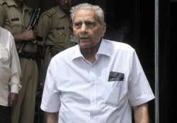 court rejects delhi police closure report in shanti bhushan
