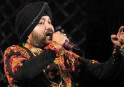 delhi polls congress woos voters with daler mehndi song