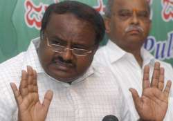 kumaraswamy changes complexion of battle against moily