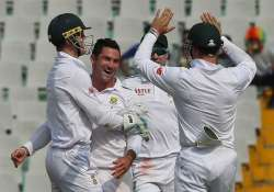 1st test day 1 india in trouble at 168/7 as dean elgar