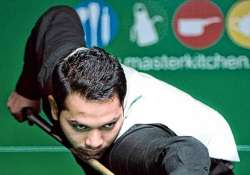 varun madan lifts six red snooker title