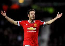 man united beats crystal palace 1 0 in epl