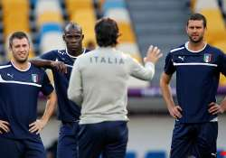 italy seeks 3rd trophy amid scandals