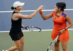 sania mirza and cara black storm into semi finals