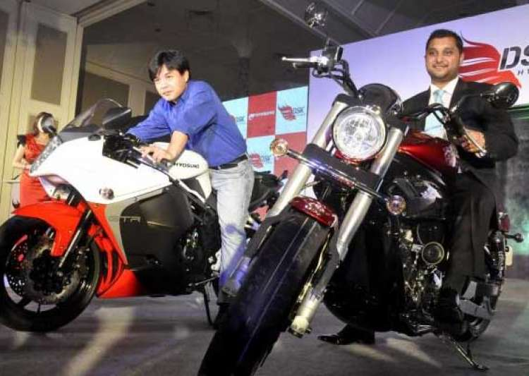 dsk hyosung launches two super bikes aquila pro and gt650r- India Tv