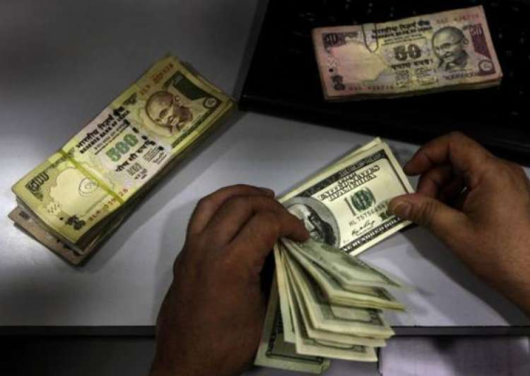 rupee falls back by 16 paise vs dlr at 51.58/59- India Tv