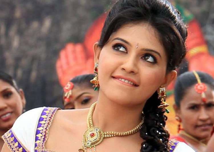 Indian Actress Anjali HD wallpaper for download