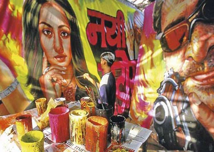 bollywood poster painters face extinction in digital age- India Tv