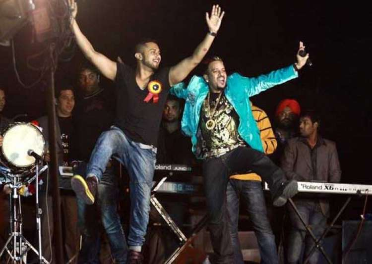 honey singh jazzy b song gets over 1 mn views in 80 hours- India Tv