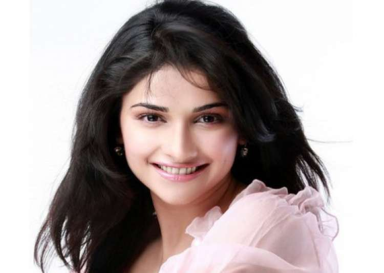 prachi desai says she is in an experimental phase- India Tv
