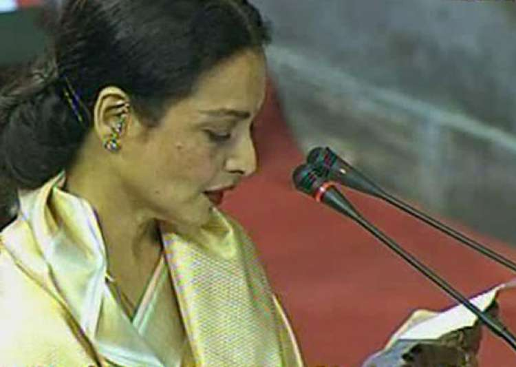 rekha takes oath in rs- India Tv