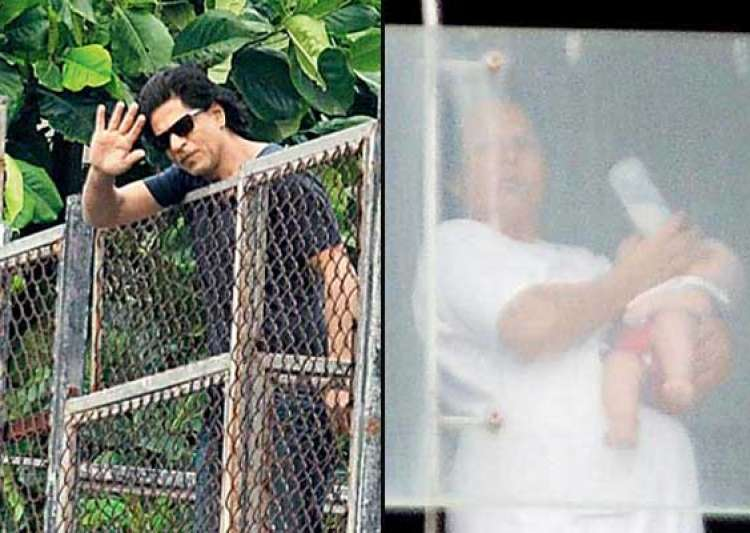 shah rukh khan s son abram s first picture out view pics- India Tv