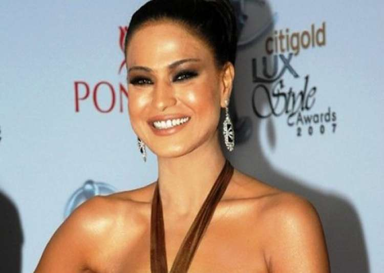 veena malik to sing for kannada remake of the dirty picture- India Tv
