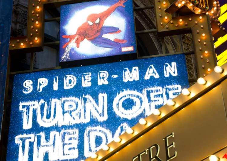 stuntman claims he was injured at spider man- India Tv