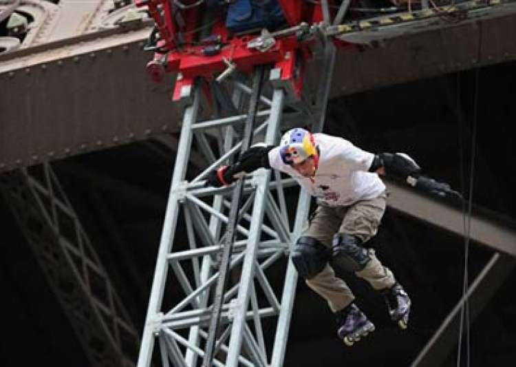 frenchman jumps off eiffel tower in skates- India Tv
