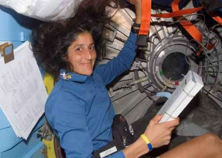 sunita willams returns from space with new record- India Tv