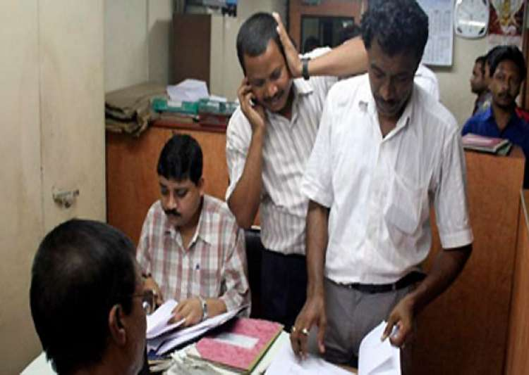 central govt employees pensioners get 7 da hike- India Tv