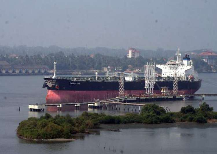 court allows italian vessel to sail out with riders- India Tv
