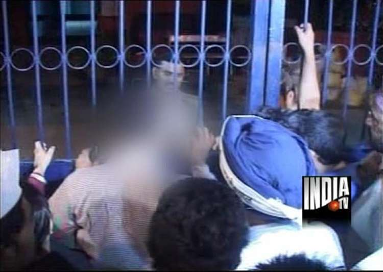 delhi police arrests driver on rape charge after aap- India Tv