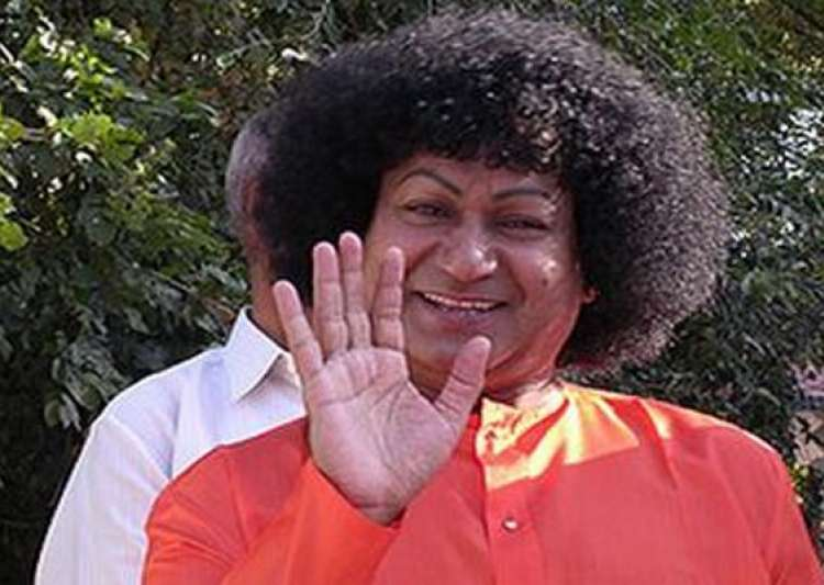 fake godman bala sai baba emerges dresses and acts like- India Tv