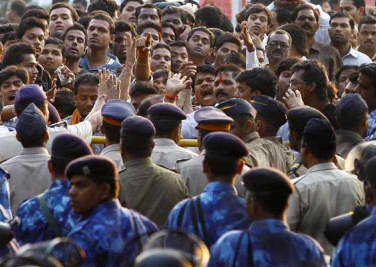 mumbai police appeals to citizens to curtail movements today- India Tv