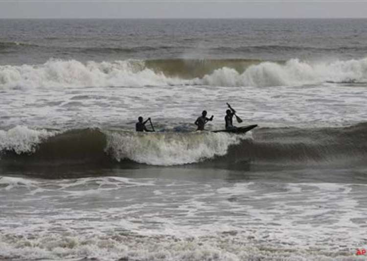 cyclone phailin causes widespread devastation on odisha ap- India Tv
