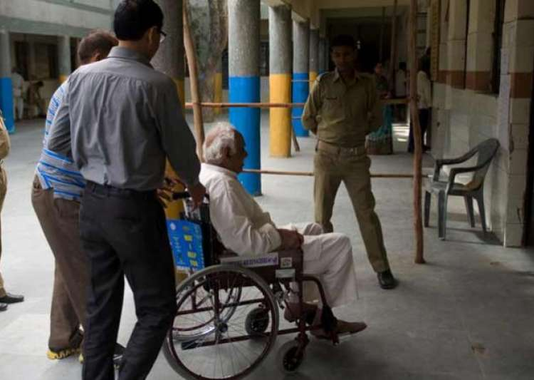 differently abled may face difficulty at 11 poll booths- India Tv