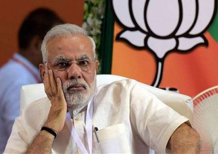modi s popularity dented people want withdrawal of land bill- India Tv
