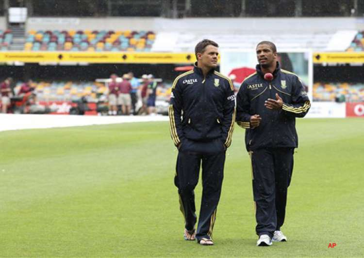 rain stops play on day 2 amla 90 not out- India Tv