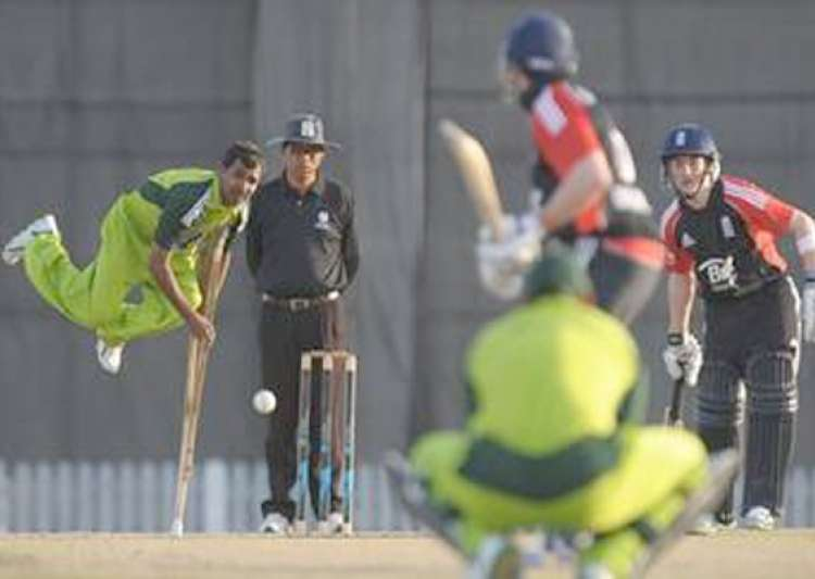 stunning pics of disabled pak england cricketers playing- India Tv