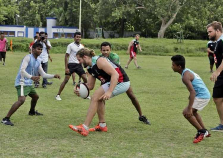 harlequin fc gives rugby lessons to kolkata kids- India Tv